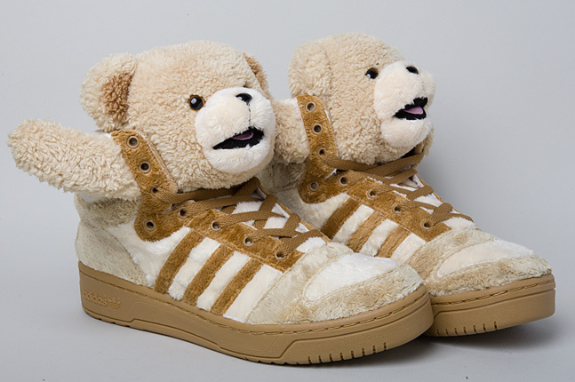 Adidas-jeremy-scott-teddy-bear-3-1